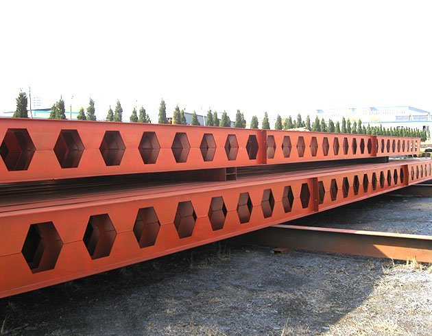 Honeycomb section steel beam